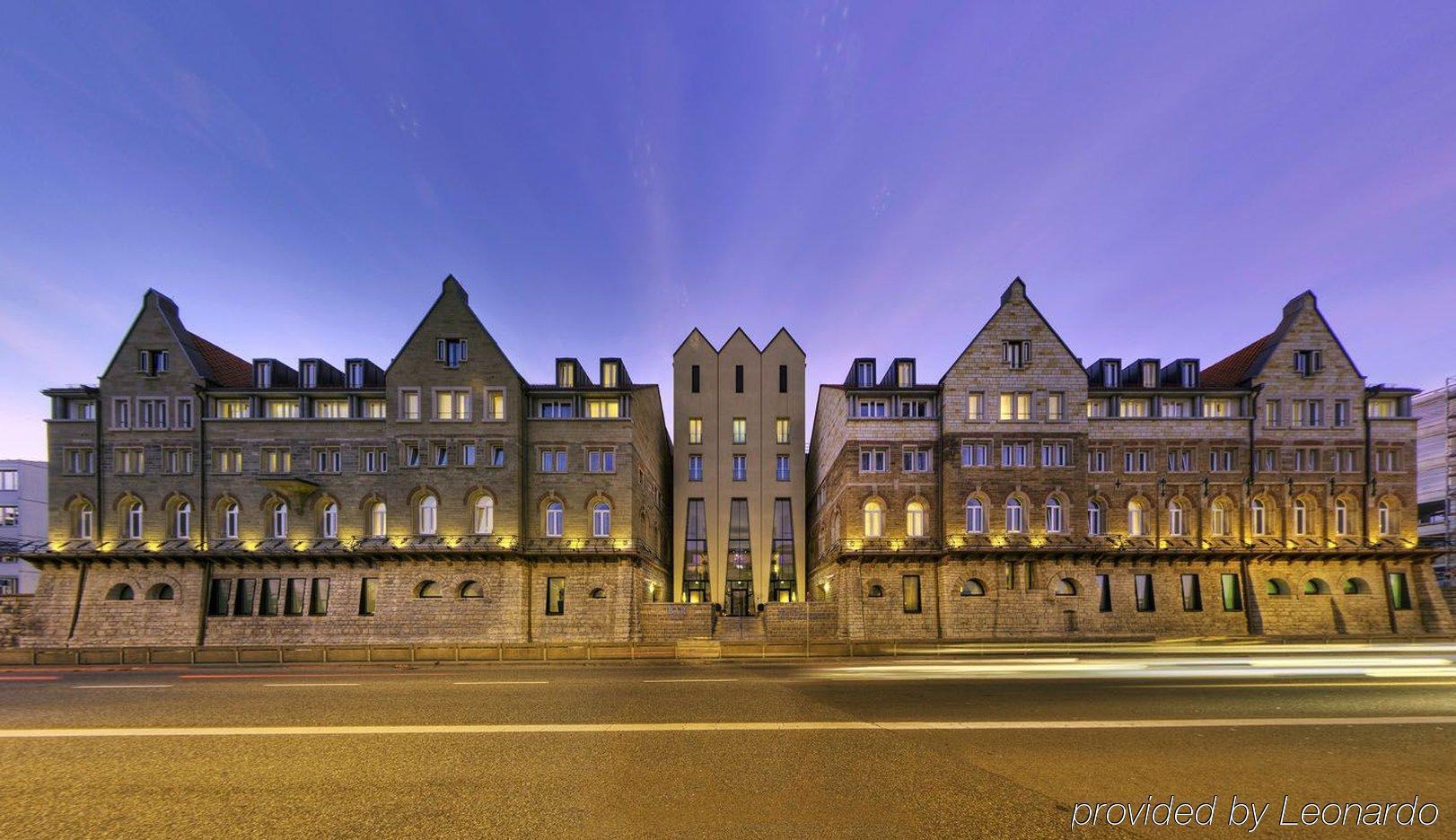 Hotel arcotel camino stuttgart for Hotels close to mercedes benz superdome